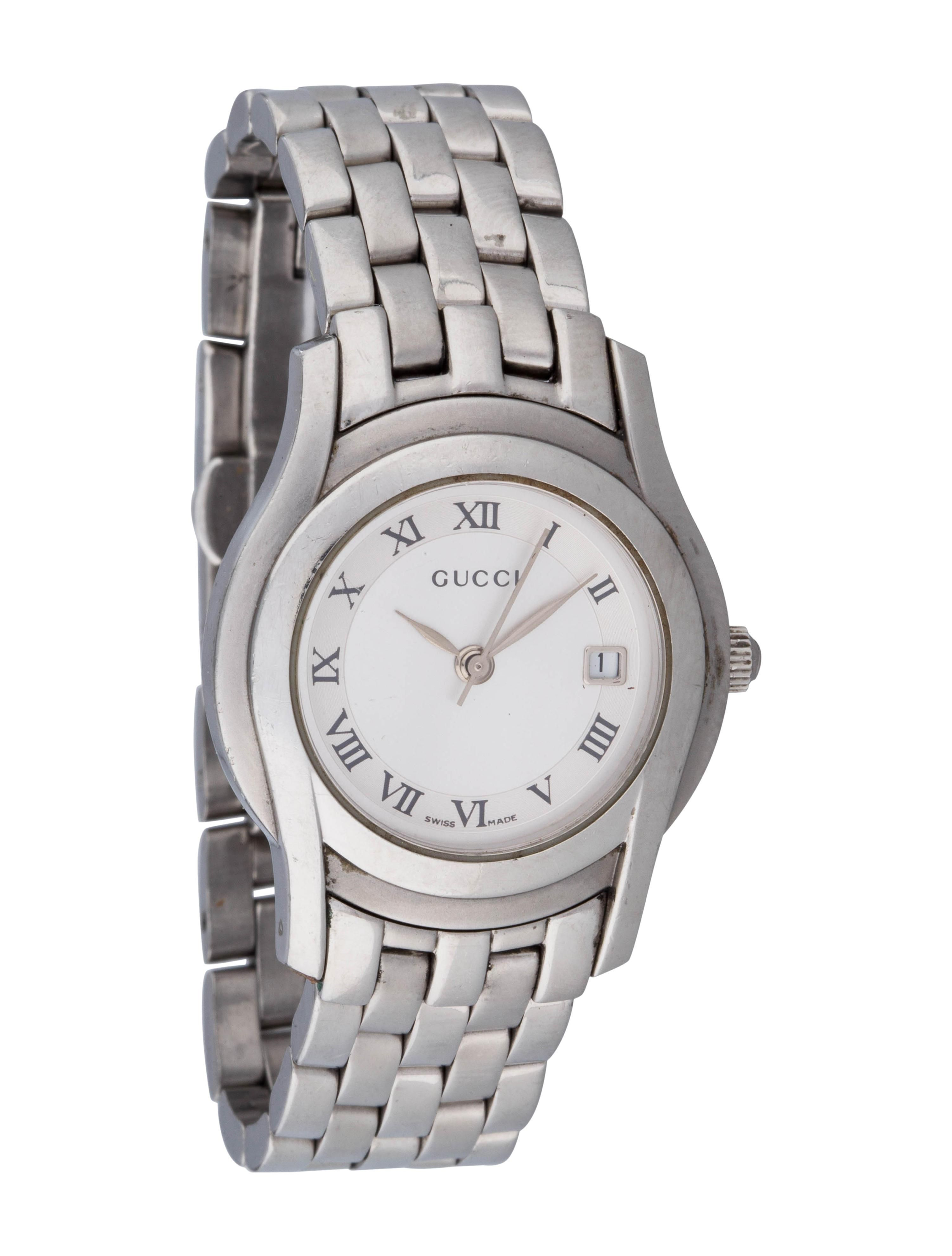 281f6ddee62 GUCCI 5500L Wrist Watch for Women Date Stainless Steel Silver Dial. Free  shipping and guaranteed authenticity on GUCCI 5500L Wrist Watch for Women  Date ...