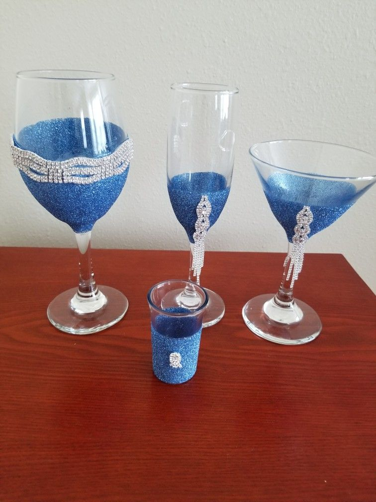 Pin by Angela Sealsharris on Glitter Wine Glasses