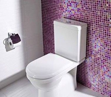 Id e d co wc avec du carrelage adh sif violet rose d co for Idee deco wc carrelage