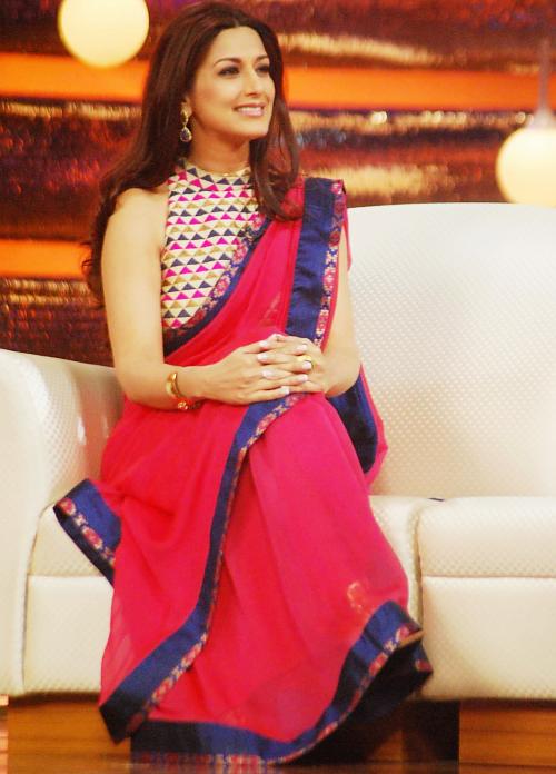 777d7e4533305d Like the idea of printed blouse with plain saree  fashion  ethnic ...