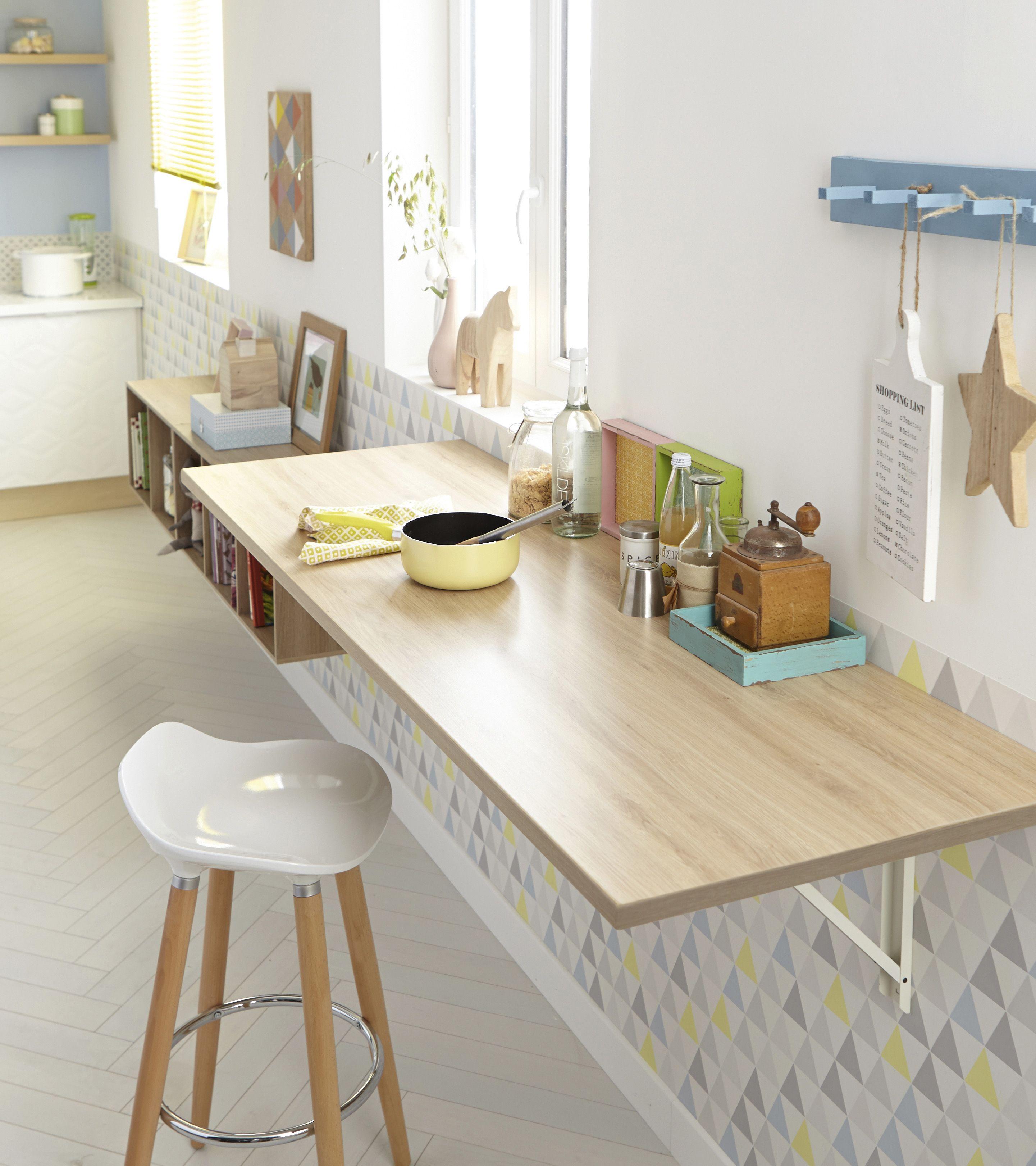cuisine lumineuse et pratique avec son plan de travail stratifi effet ch ne cuisine. Black Bedroom Furniture Sets. Home Design Ideas