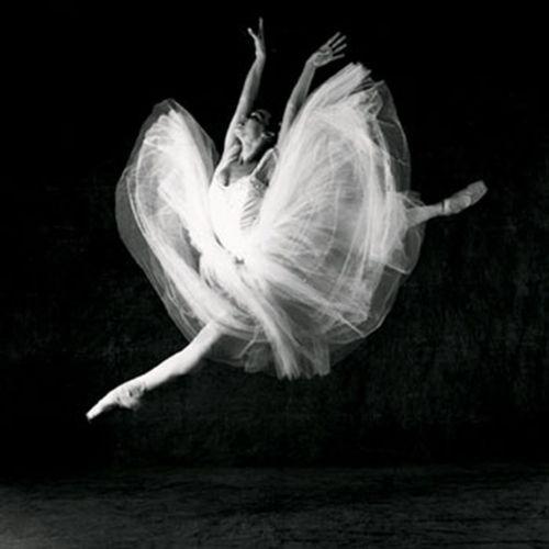 Isabel Muño - Ballet National De Cuba, 2001