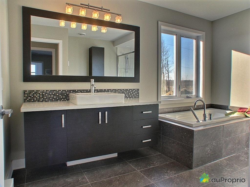 salle-de-bain-maison-neuve-a-vendre-mirabel-quebec-province-large ...