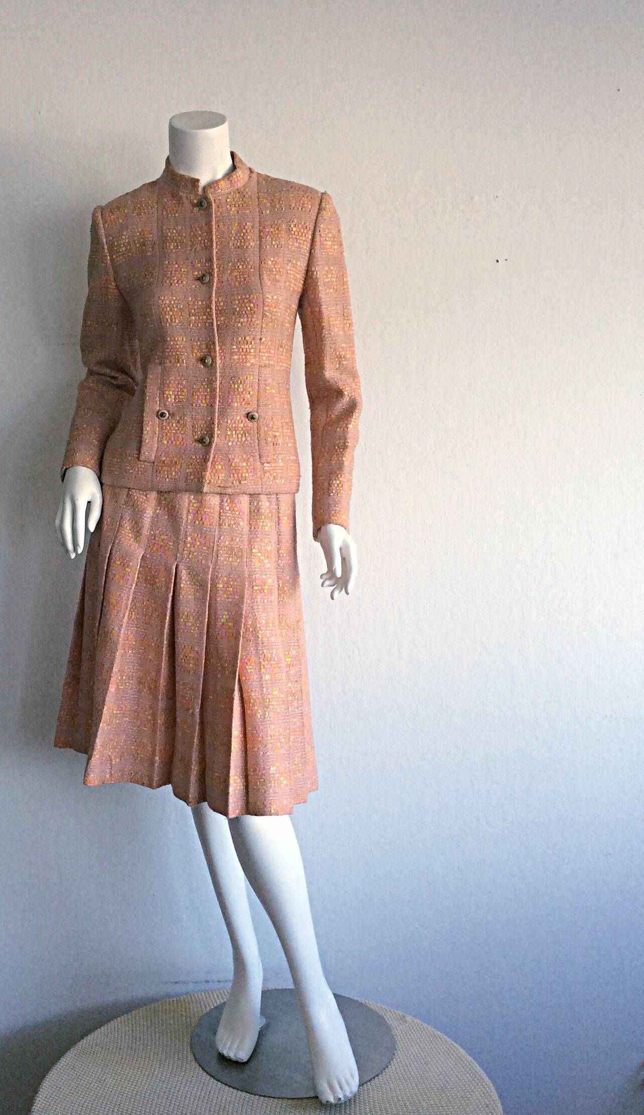 f84aae35ed4 Amazing 1960s Vintage Chanel Suit Pink Boucle Jackie O Pillbox Didier Ledot