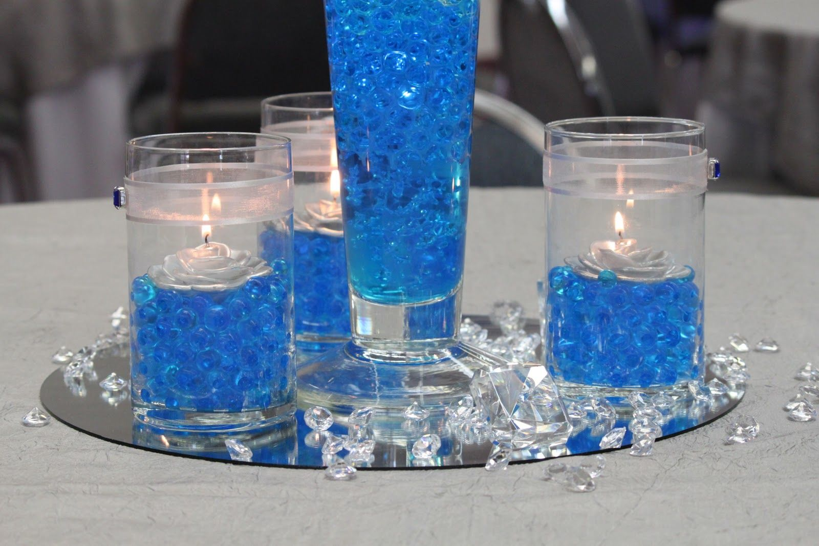 royal blue wedding centerpieces tuesday april 12 2011. Black Bedroom Furniture Sets. Home Design Ideas