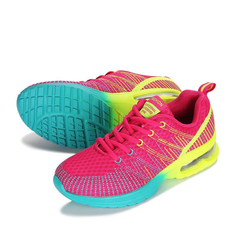90d33da1ec6eb Course à Pied Chaussures Femme En Plein Air Respirable Confortable Couple  Chaussures Léger Athletic Mesh Sneakers Femmes Haute Qualité