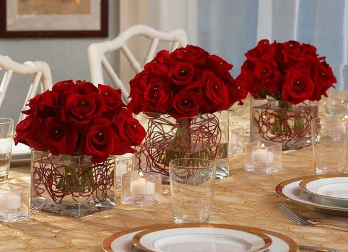 Pin By Linda Adkins On Christmas Decorations With Images Red Roses Centerpieces Red Centerpieces Rose Centerpieces