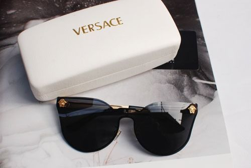cb091547a8 rollin w the homies More Round Glasses, Cat Eye, Versace Sunglasses ...