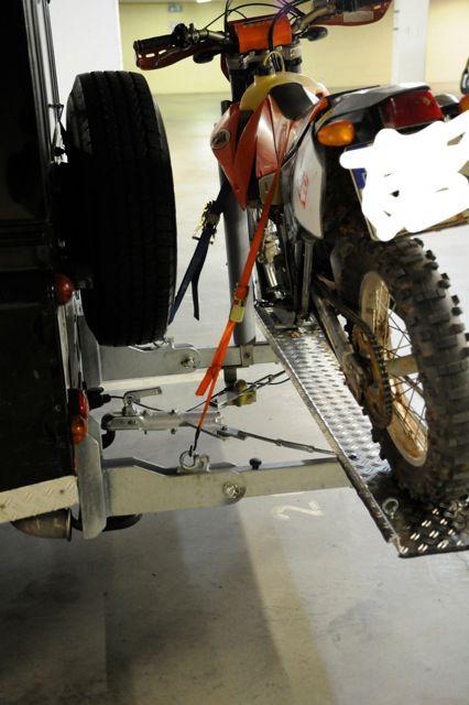 eigenbau motorrad hecktr ger f r defender seite 2 jeep. Black Bedroom Furniture Sets. Home Design Ideas