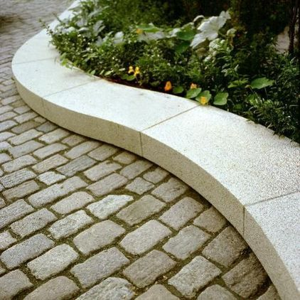 Pin By Sandy Watts On Garden And Landscape Cobblestone Driveway Stone Driveway Driveway Landscaping