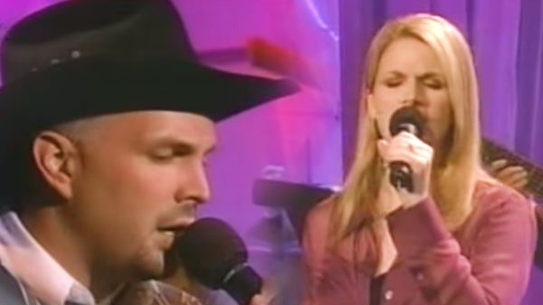 Garth Brooks and Trisha Yearwood - In Another's Eyes (VIDEO ...