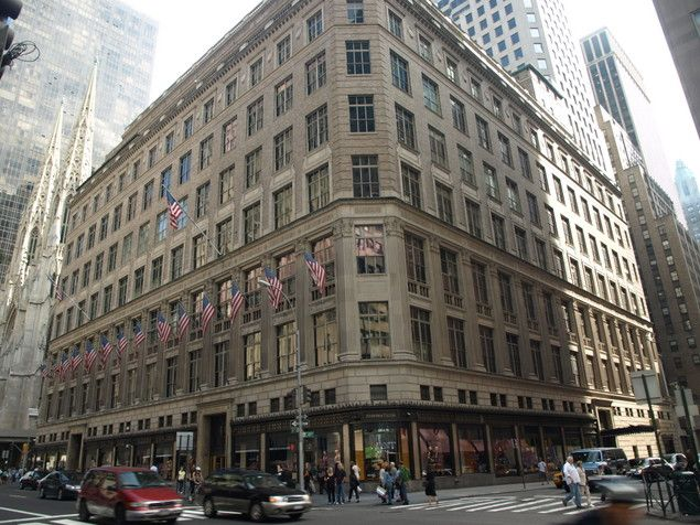 Saks In Nyc I Could Probably Get Lost In Here For Hours Nyc Shopping Nyc Saks Fifth Avenue