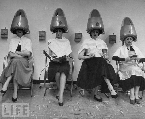 31 Vintage Beauty Salon Ideas