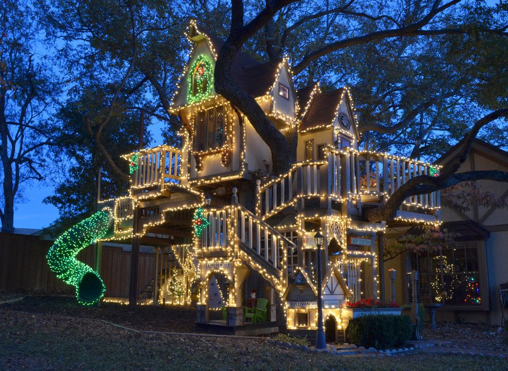 christmas decorated treehouses Magical Tree House