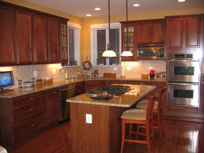 new venetian gold granite with cherry cabinets venetian gold granite home decorating u0026 design - Cherry Cabinets