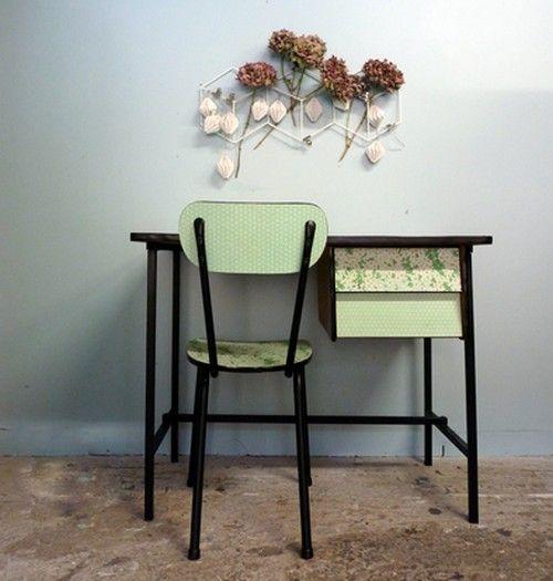 Bureau vintage formica vert pastel et sa chaise Eglantine