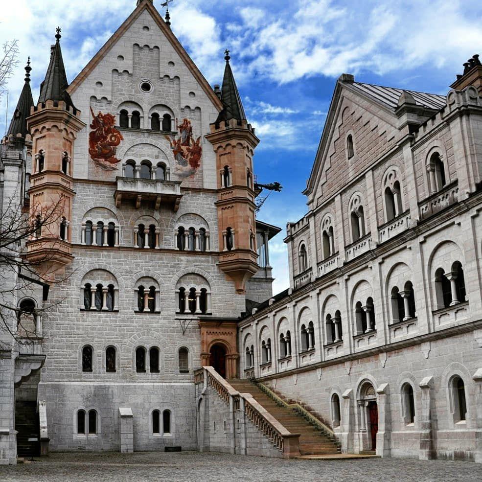 Anastasia On Instagram Neuschwanstein Castle Castle Castles Oftheworld Neuschwansteincastle Neus Orte Schone Gebaude Schloss Neuschwanstein
