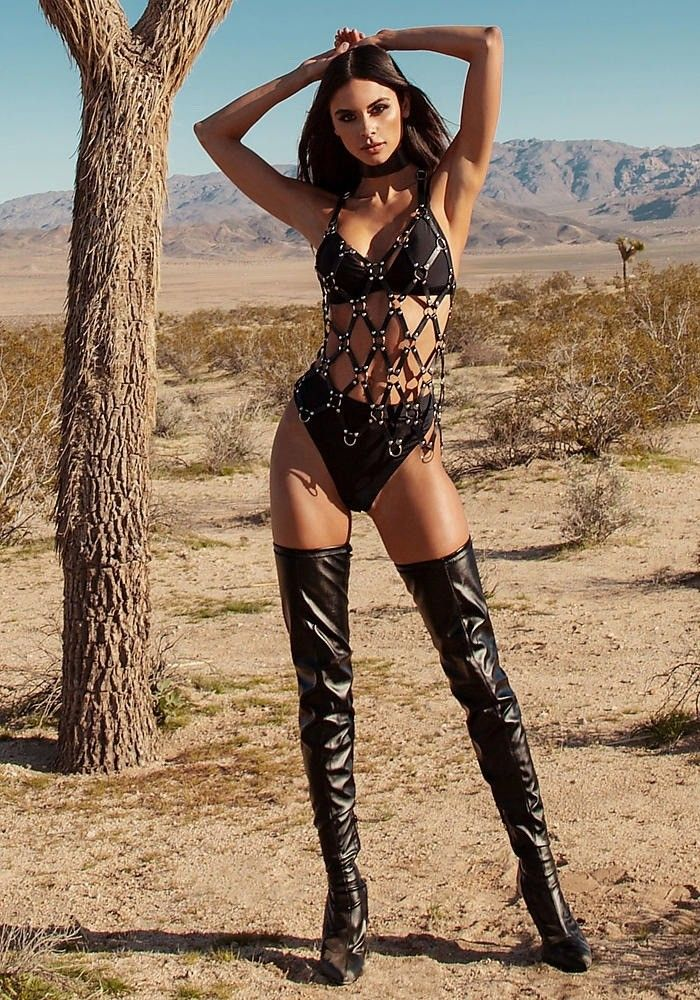 Black Thigh Boots Fashion Outfit Ladies In Boots Pinterest