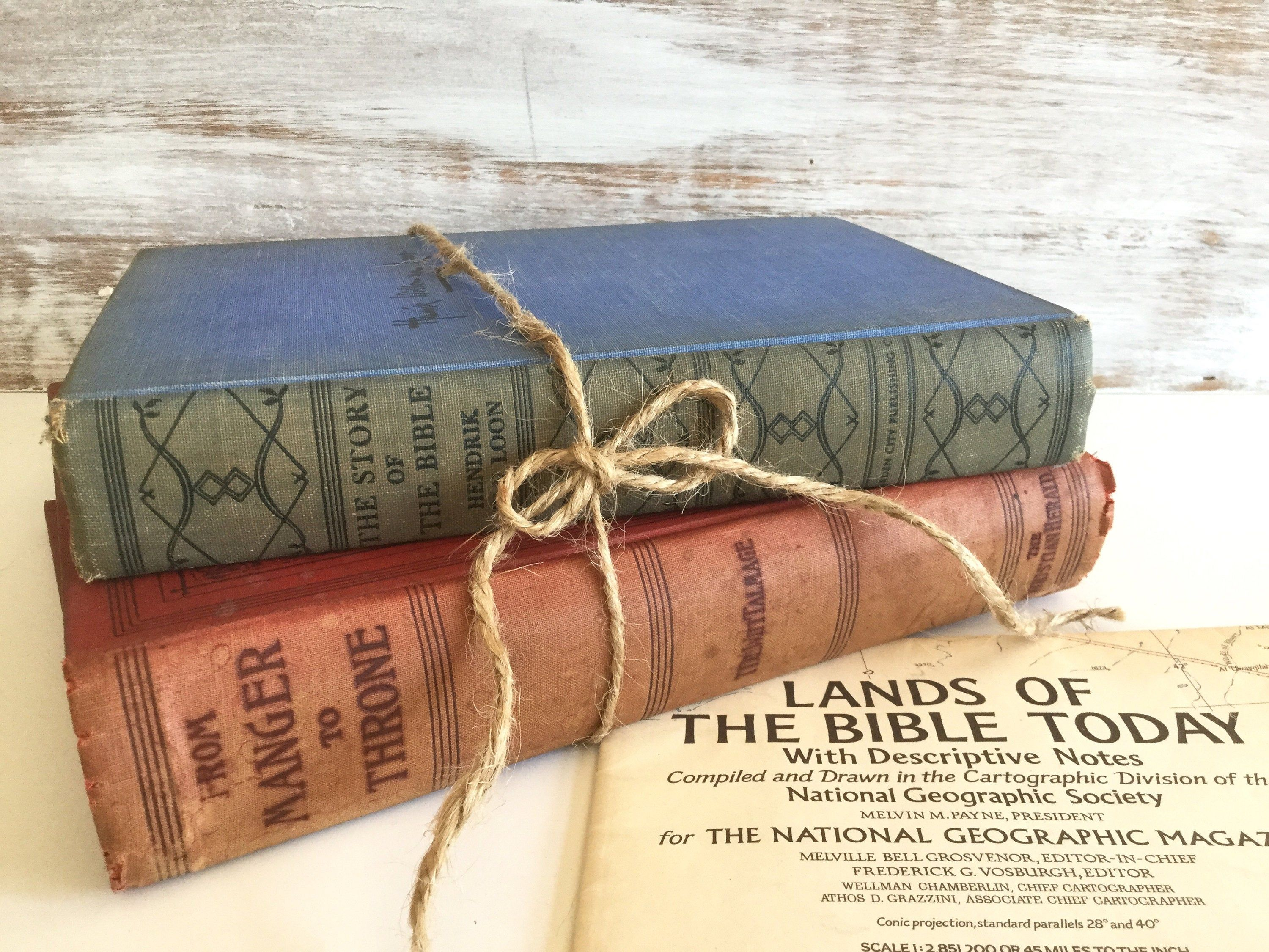 Vintage Antique Bible Books From The Manger To The Throne The Story Of The Bible Vintage Map Lands Of The Bible T Book Decor Vintage Books Vintage Map