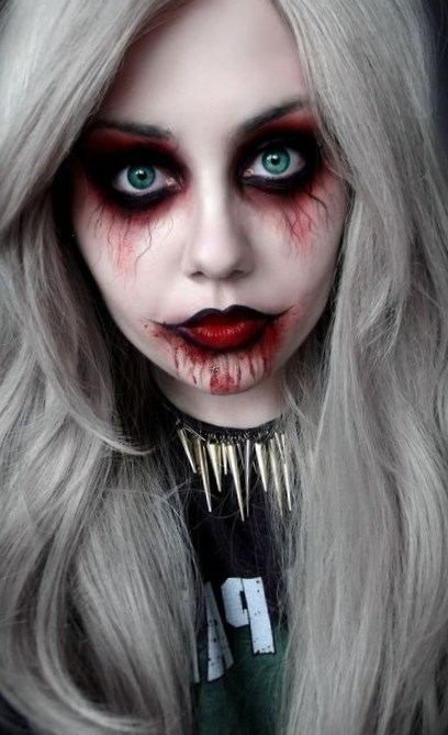Maquillage Halloween simple en style gothique. style gothique maquillages  Halloween faciles Arcs mode et populaires maquillage halloween facile Une  peu