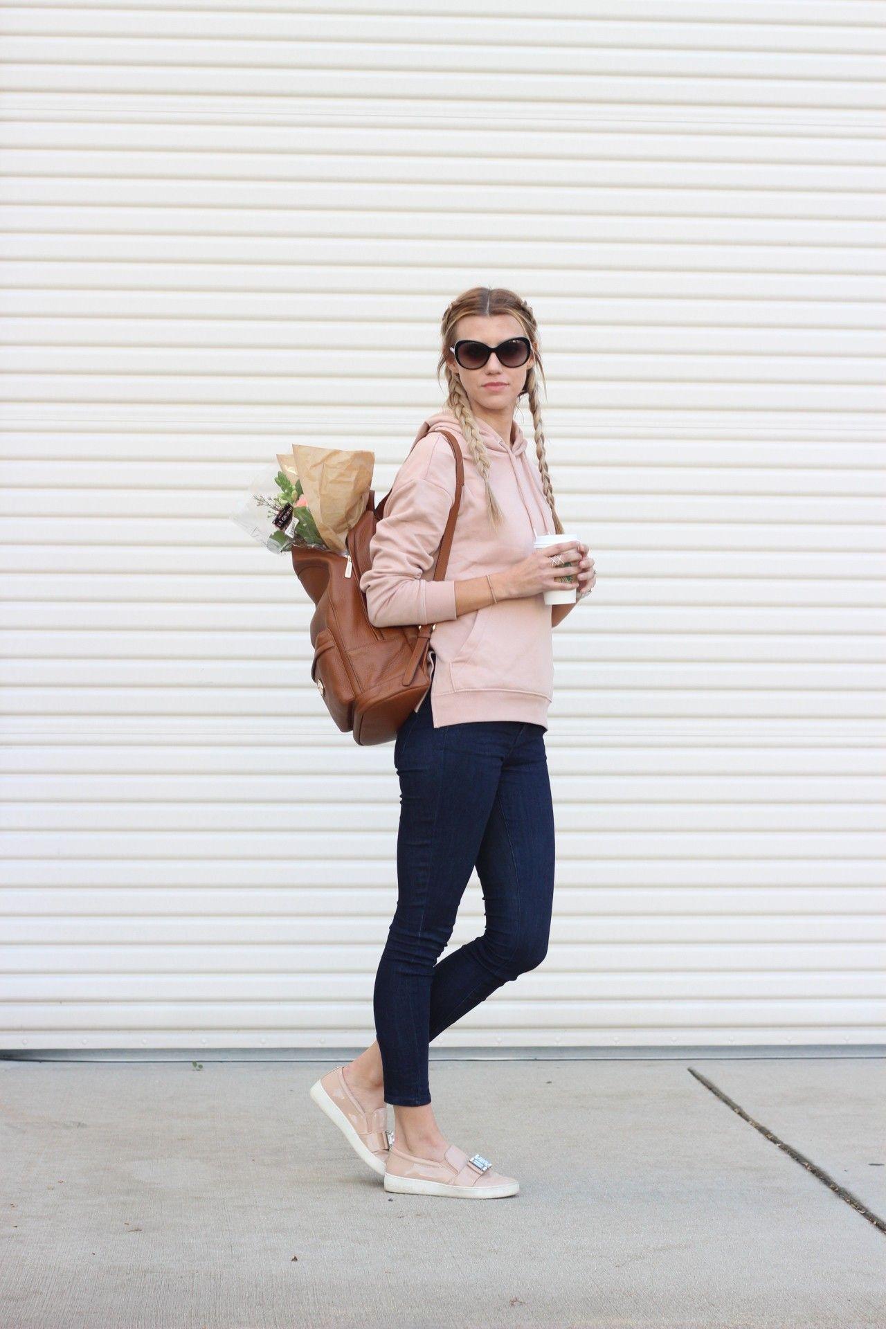 Casual Weekend Outfit: Sweatshirt H&M, Bebe jeans, Michael Kors backpack and sneakers
