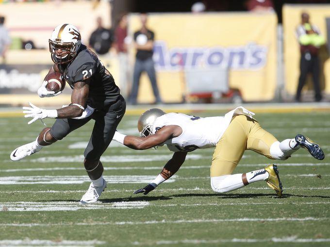 ASU wide receiver Jaelen Strong (21) breaks a tackle