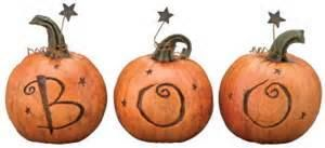 BOO!   http://sugardumplin.myshopify.com/products/boo-trio-pumpkins