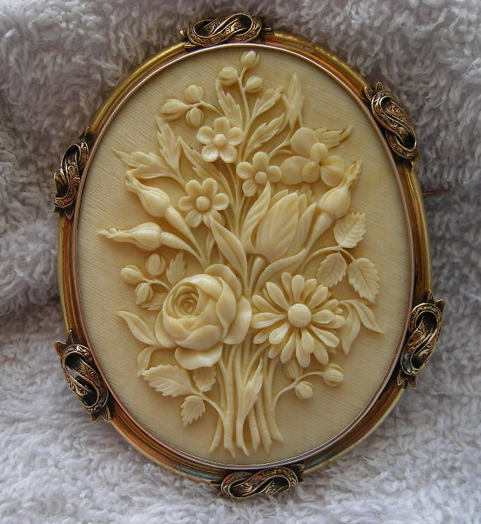 Victorian ivory cameo of a bouquet of flowers in 15k gold frame cameo jewelry mozeypictures Images