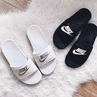 Goneryl Monetario Condición previa  20 nice pictures of Nike shoes - Bilder Land , #Bilder #land #nice #Nike  #pictures #shoes | Sandalias nike mujer, Chanclas nike mujer, Chanclas nike
