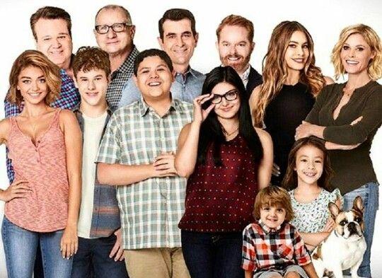 Modern Family Cast Modern Family Modern Family Tv Show Modern Family Gloria