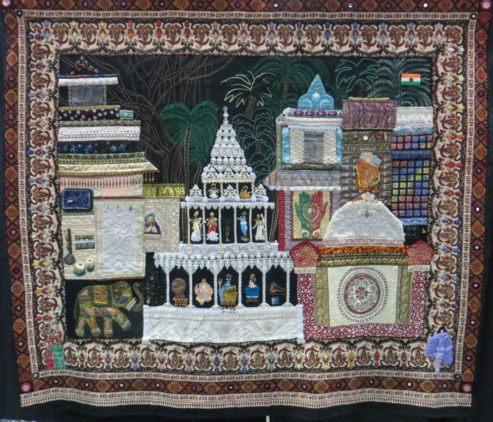 Cathy Geier's Quilty Art Blog: More Quilts from the IQF show in ... : quilt show chicago - Adamdwight.com