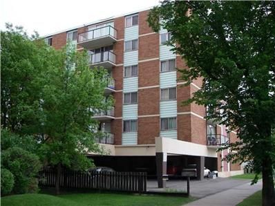 1304 11th St Sw Calgary Ab Welcome To Camelot Suites Featuring 1 And 2 Bedroom Apartments For Rent In Calgary This Con Apartments For Rent Suites Apartment