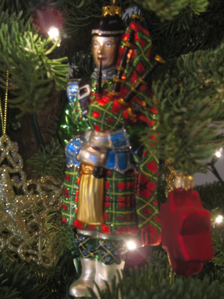 Bagpiper Christmas ornament| Happy Christmas, Scotland! | Christmasy Things - Bagpiper Christmas OrnamentHappy Christmas, Scotland! Christmasy