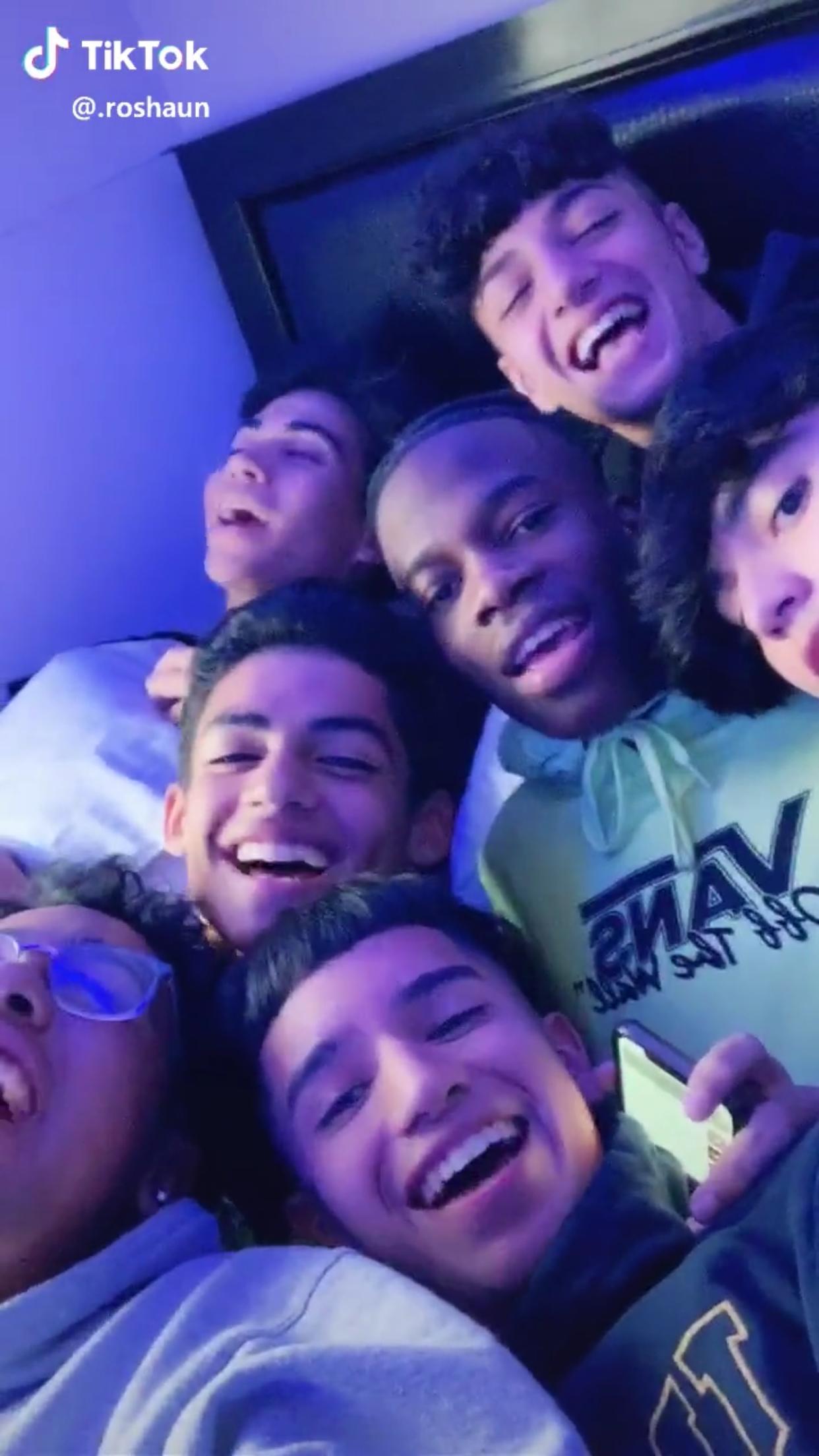 Pin By Valentina Navarro On Tik Tok Jersey Boys Jersy Boys Cute Teenage Boys