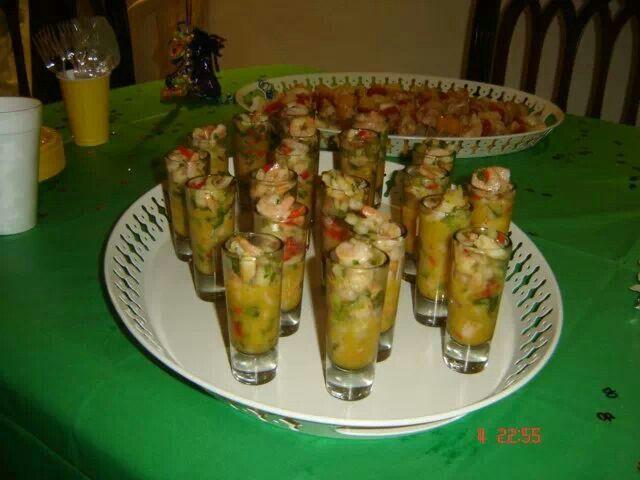 Ceviche de camarones en vinagreta de chinola