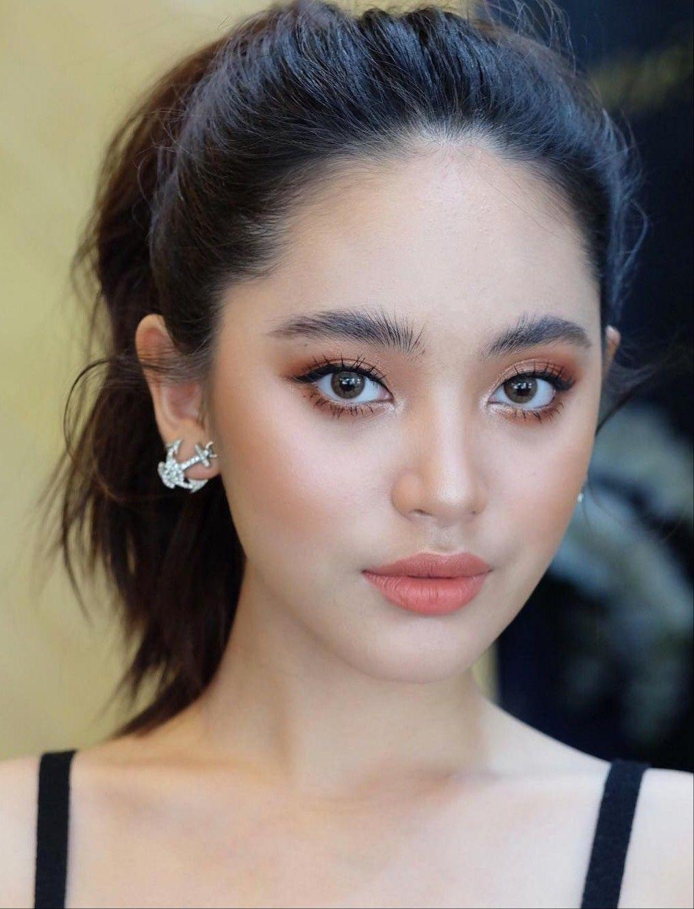 Pin By Janet On Elysian Asian Eye Makeup Asian Makeup