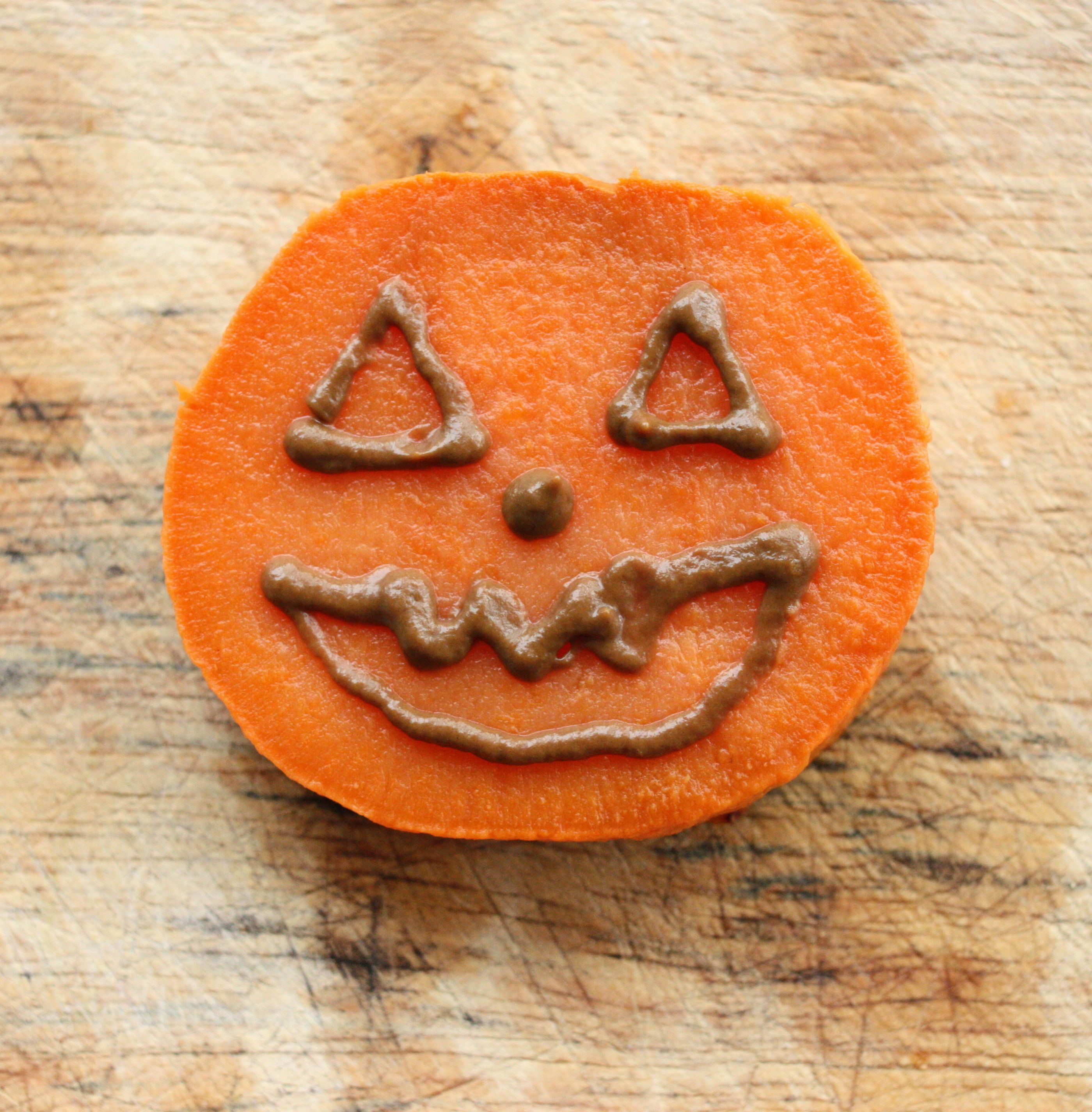 Choosing Raw - vegan and raw recipes | Sweet Potato Jack-O'-Lanterns With Chocomole Frosting. Plus, Melissa's Wedding Recap!