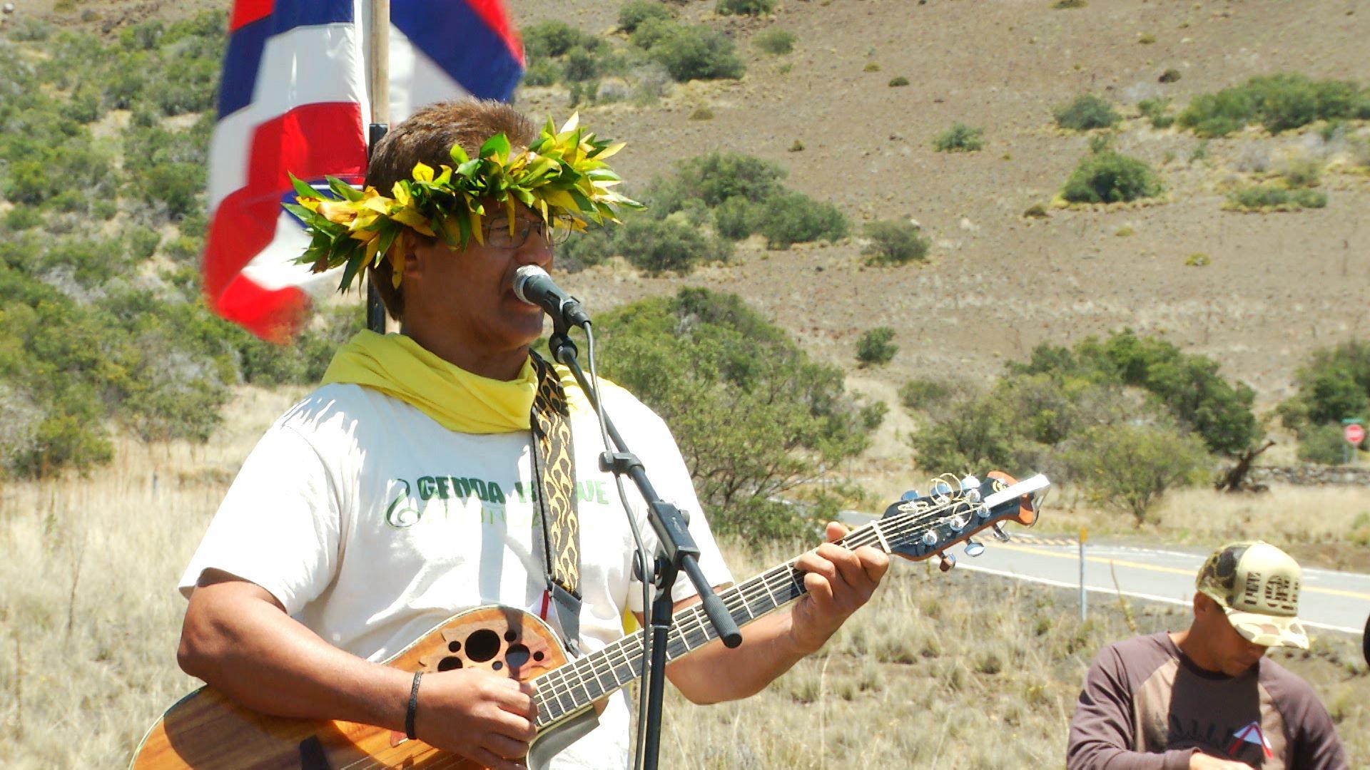 """Mele ma ka Mauna   Eric Kaleolani Keawe: """"Ka Makani Kāʻili Aloha / Hiʻilawe"""""""