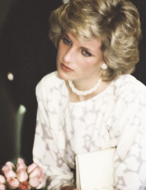 Diana looking just so sad