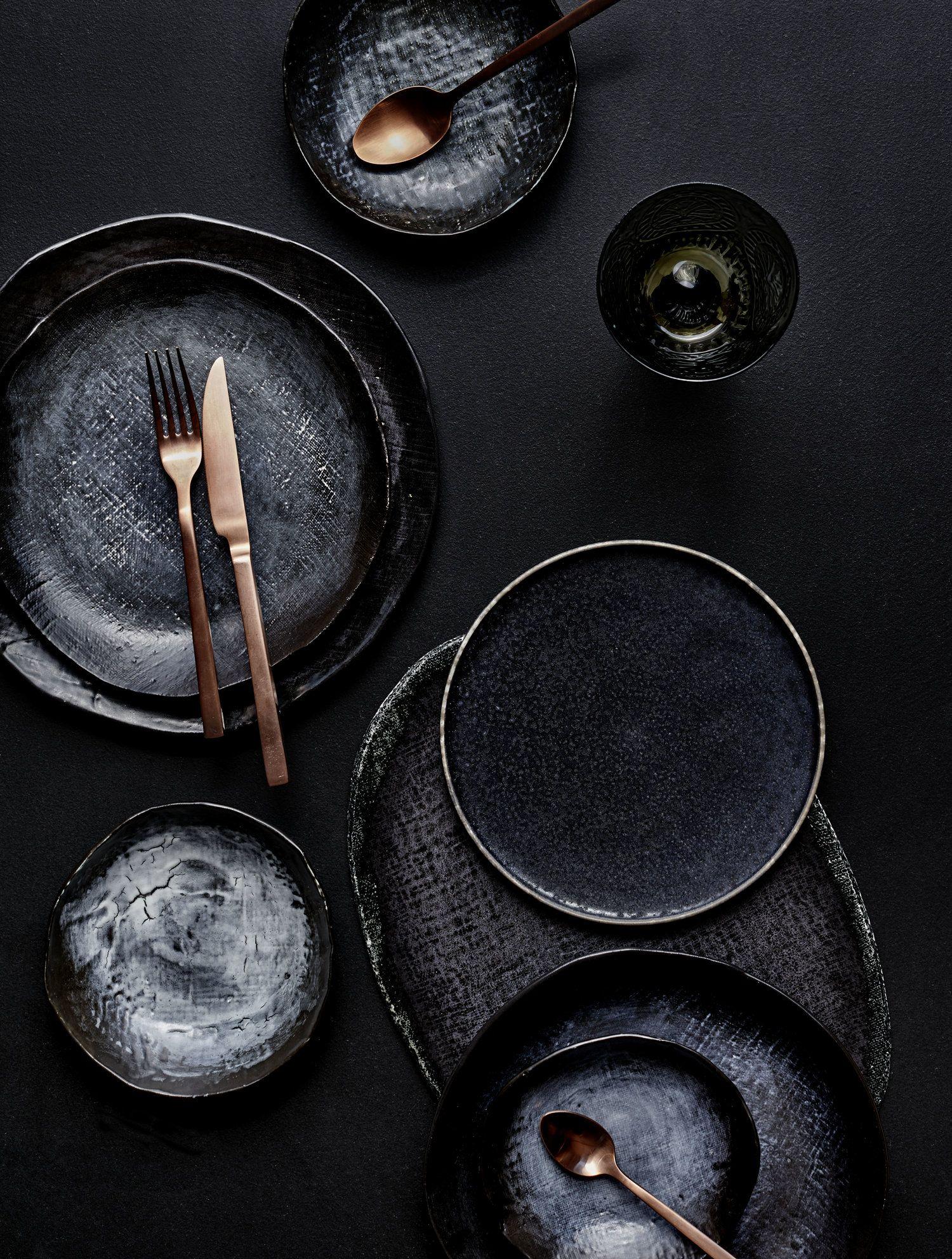 Gelungene Tischdeko Schwarzes Geschirr Und Kupferfarben
