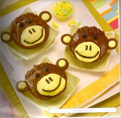 Monkey A Round Cupcakes From Quot Fun Stuff Cupcakes Quot Via The