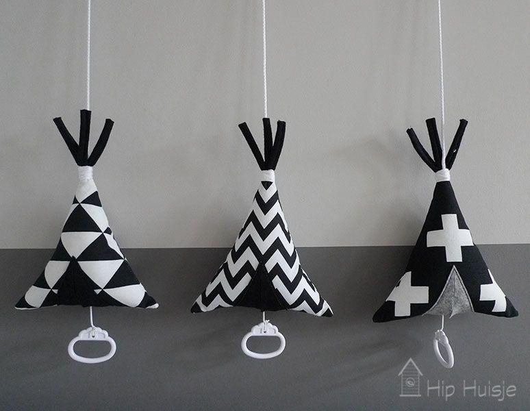 Babykamer Daphne Stijlen : Muziekdoosje tipi voor de babykamer of kinderkamer naaien