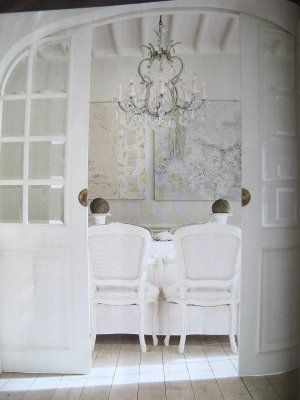 the french flea: White on White Decorating