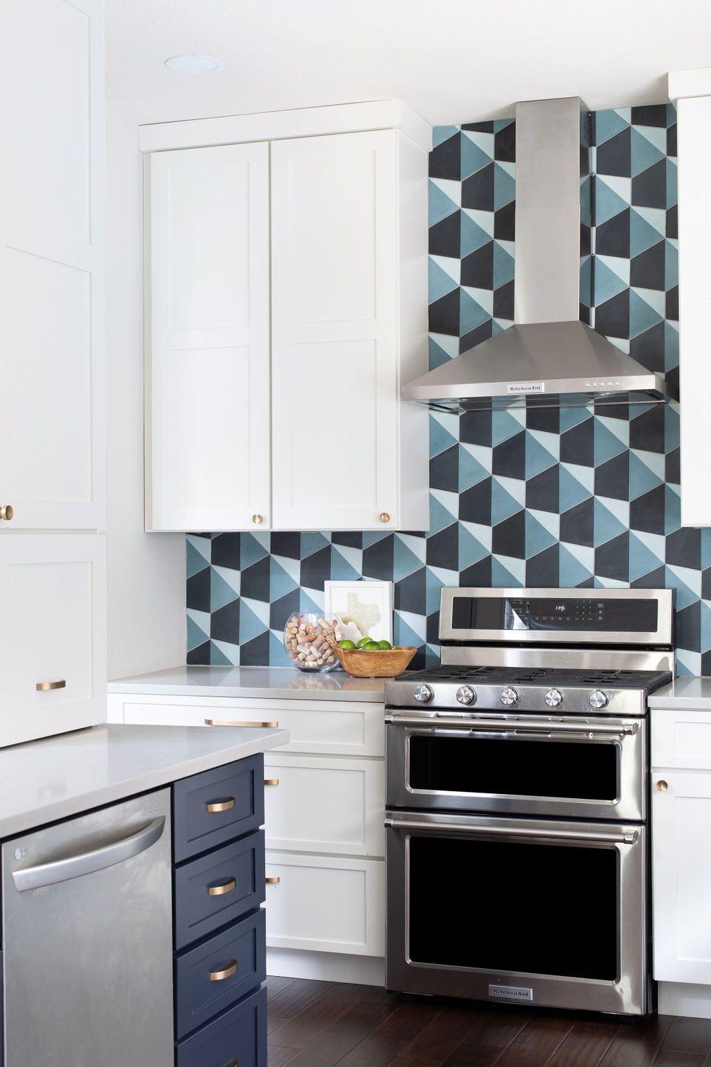 Hello Kitchen Austin Tx Kachina Dr In 2020 Kitchen Projects Kitchen Design Kitchen Cabinets