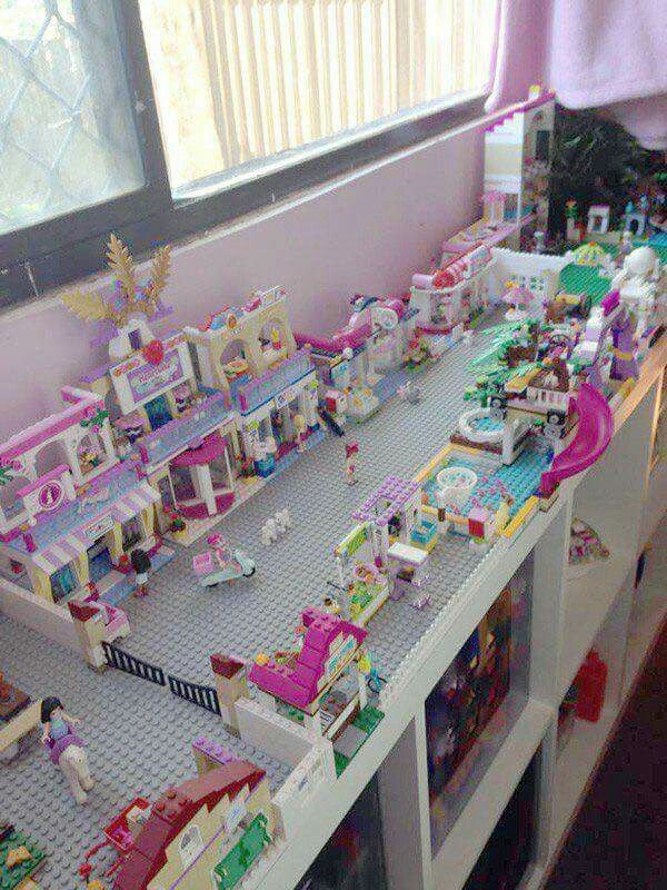 Pin By Jennifer Power On Kids Girls Playroom Lego Room Kids Playroom