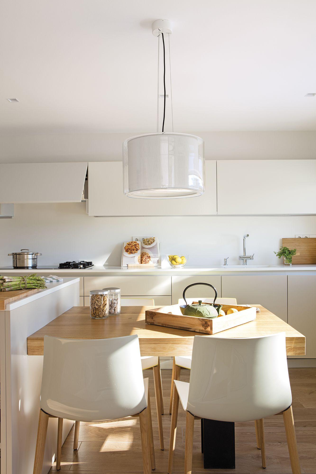 Una Cocina Discreta Casa En 2019 Esquinero Cocina