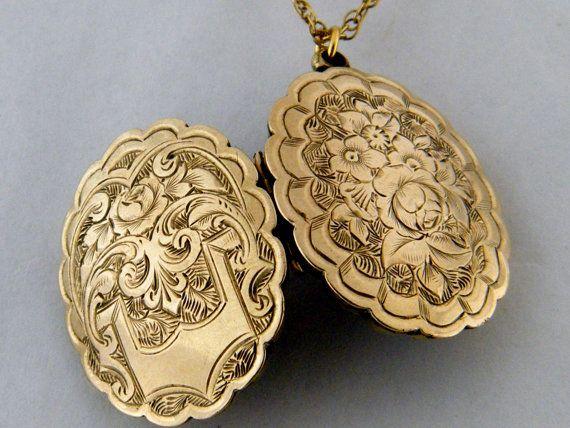 Vintage flower case large locket