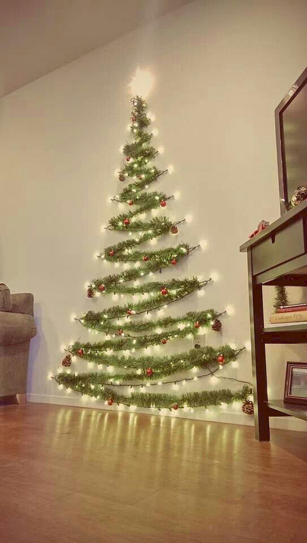 40 Apartment Decorating Christmas Lights 8 Hacer Arbol De Navidad Arbol De Navidad Pared Arbol De Navidad Original