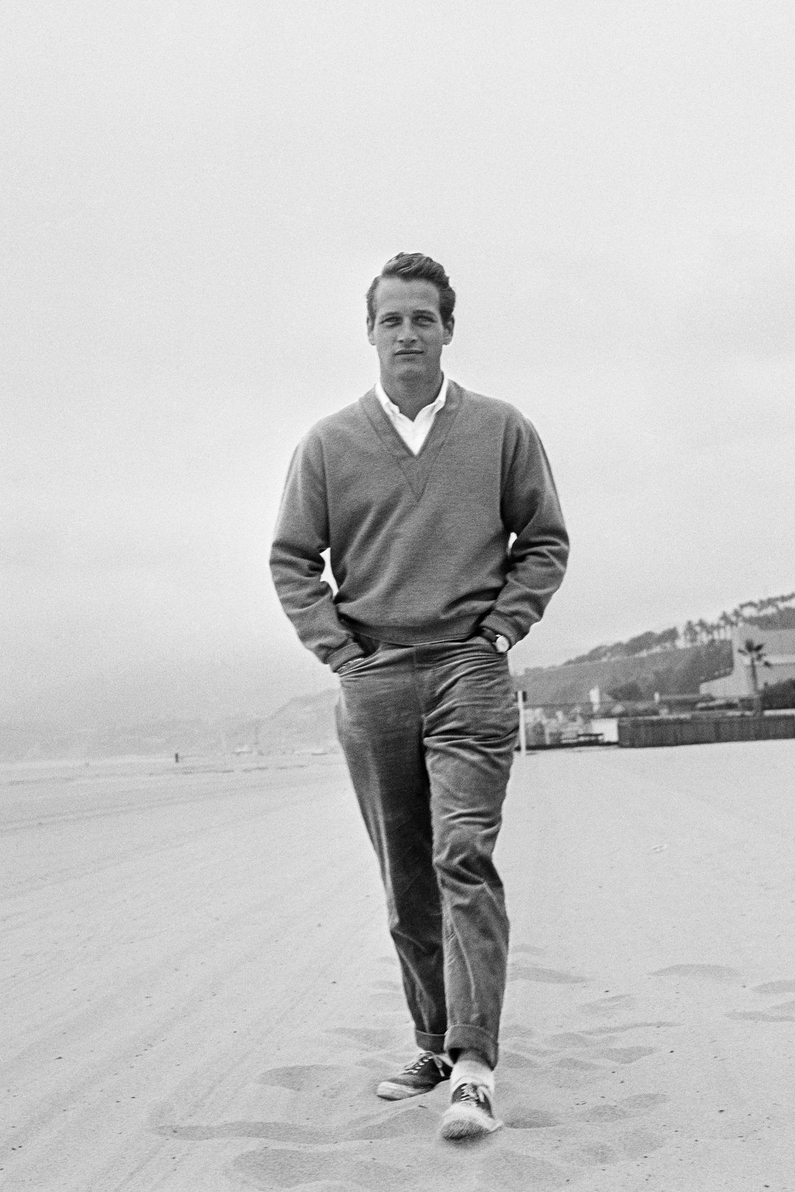 Paul Newman on a beach circa 1958. (Photo Hulton Archive