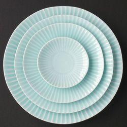 Japanese porcelain sky blue shinogi round fish plate